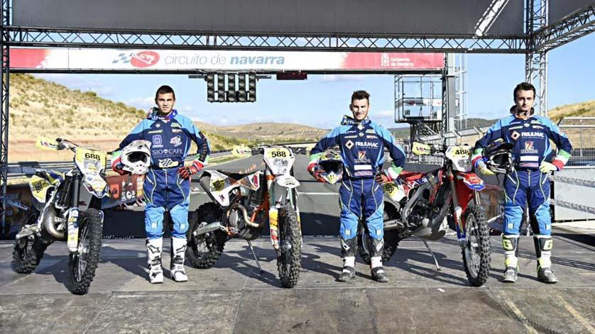 Claudio Spanu con i suoi compagni di Team Manzano alla Six Days Spagna 2016