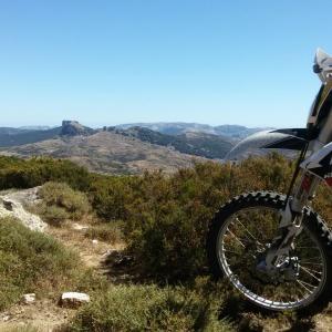 Vista del territorio di Orgosolo, Ktm 350 Exc