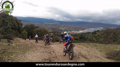 Tour Enduro Sardegna dalla barbagia all''ogliastra: vista sul lago Flumendosa