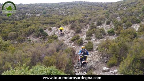 Tour Enduro Sardegna dalla barbagia all''ogliastra: bellissimo sentiero con sassi