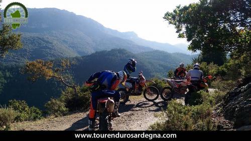 Itinerario Enduro Sardegna: anello Orgosolo Oliena, vista sulle creste del Supramonte