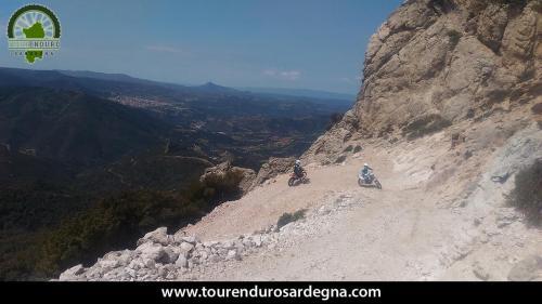Spettacolare valico di Montagna nel Supramonte Enduro in Sardegna